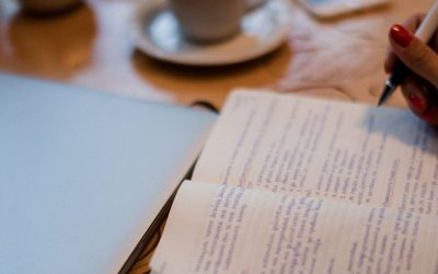 The 3 big differences between reflective writing and copywriting (and why you need both in business!)